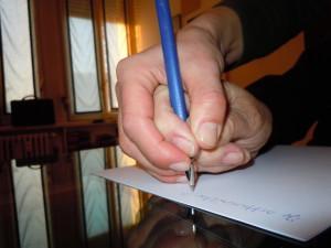 Scrittura con mano inerte